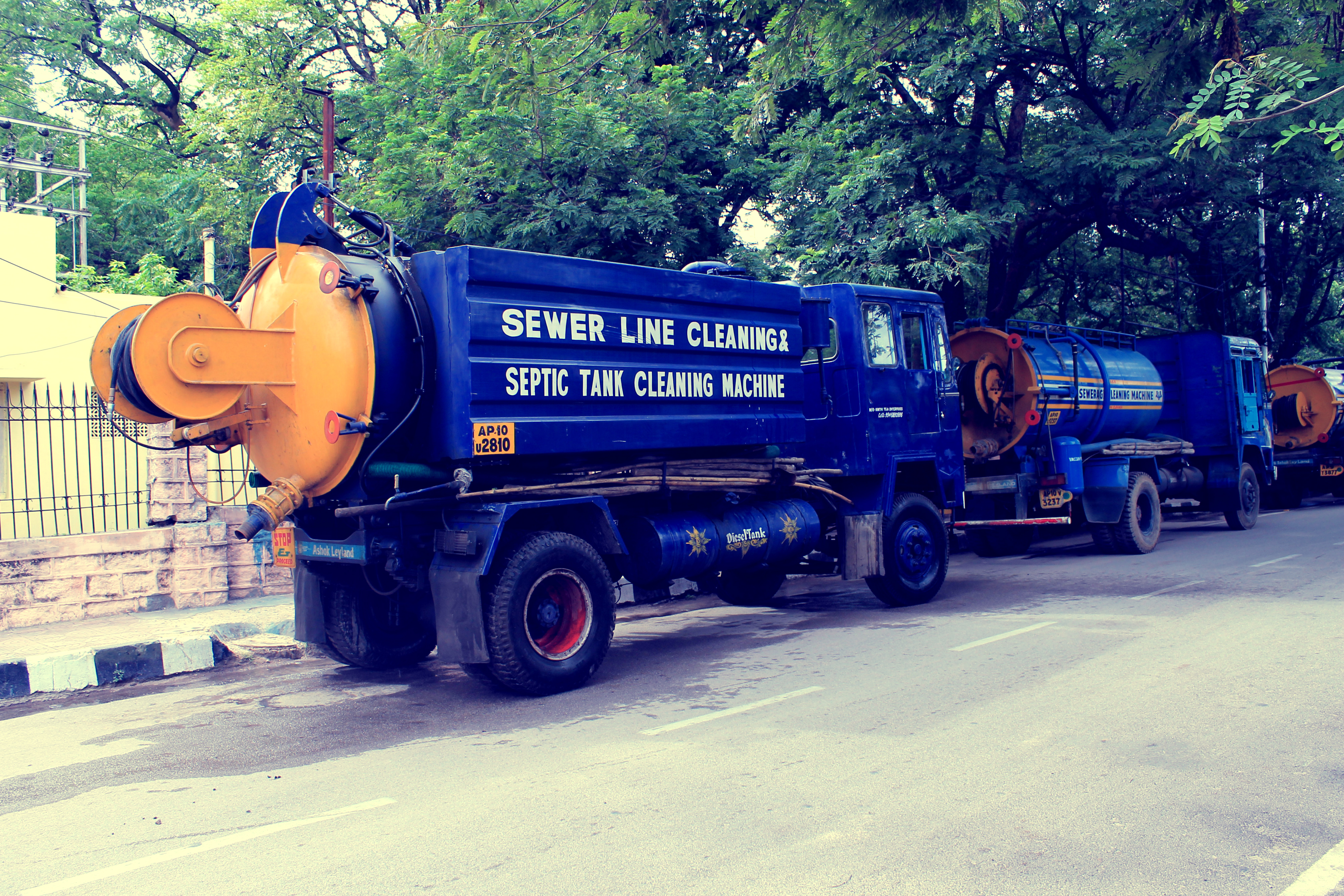 septic tank cleaning machine